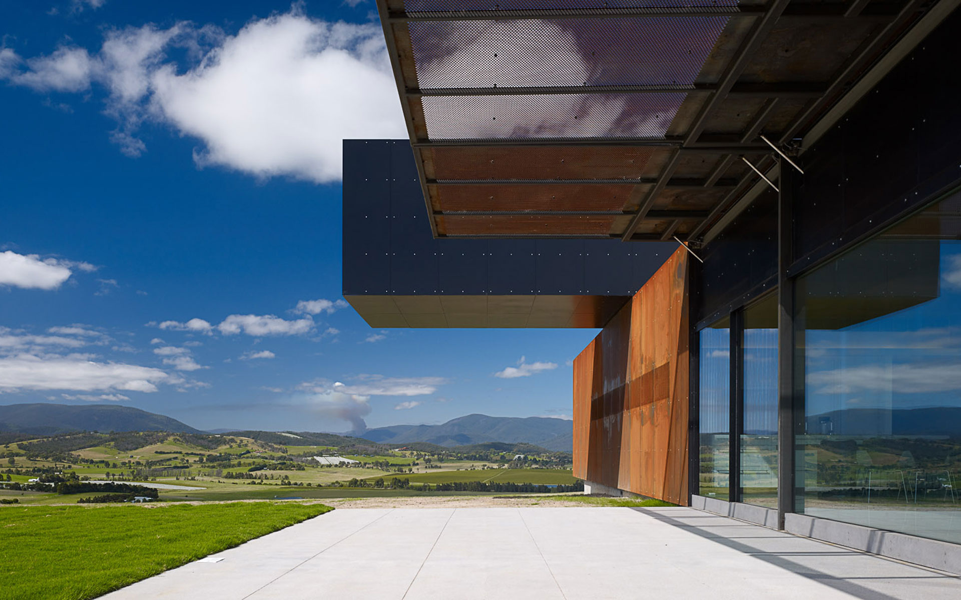 View Hill House + Vineyard, Yarra Valley, Victoria, Australia